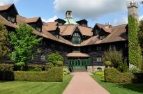 Ottawa-Chateau-Le-Montebello-Tour-Lodging-Thumb
