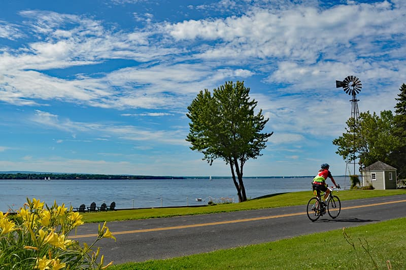 quebec bicycle tours