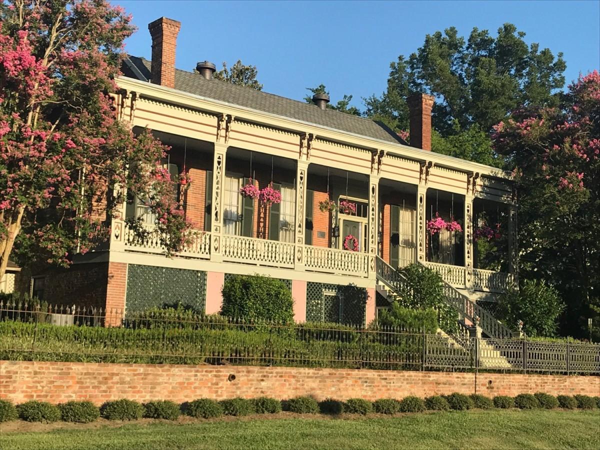 The Corners Mansion Inn